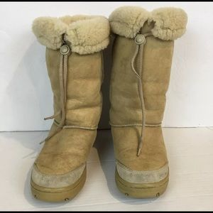 UGG 9 Classic Tall Chesnut Suede Boots